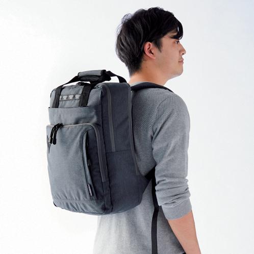 最近人気です!ビジネス&アウトドア両用の四角い2wayバッグ