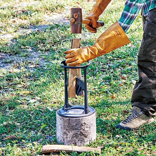焚き付け作りの画期的アイデア品!驚くほど簡単に、薪がパカーンと割れる!