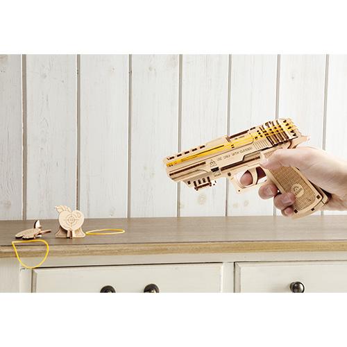 木製組み立て模型「撃てるハンドガン」