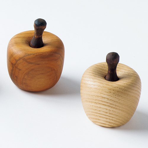 長野の木工房のリンゴのアロマポット
