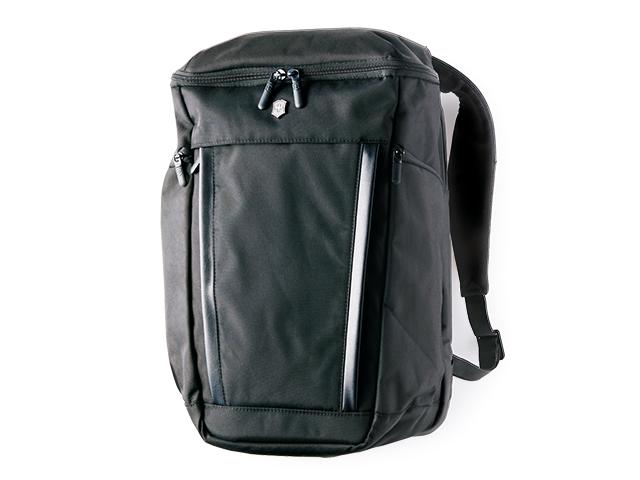 いろいろな機能が隠れている、まさにマルチツールバッグ!
