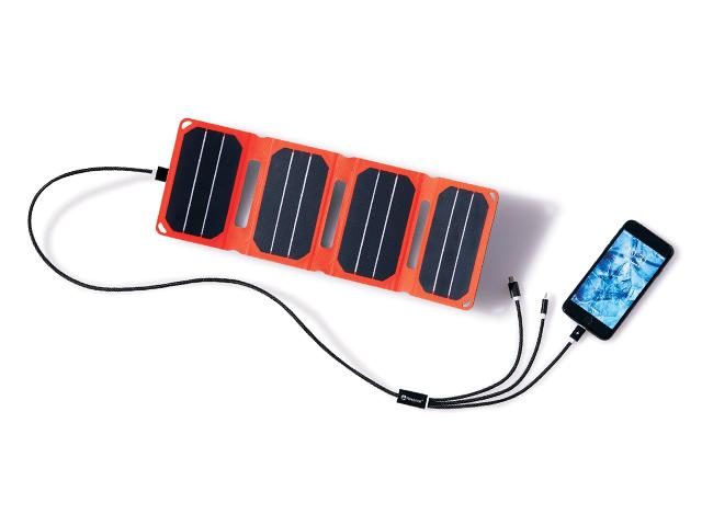 防水ソーラーパネルにアイフォーン2回充電可能なモバイルバッテリーが付いてくる